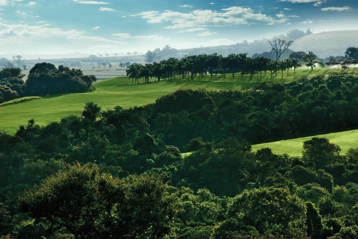 Spectacular nature of the Randall Thompson golf course of the Fazenda Boa Vista golf club.
