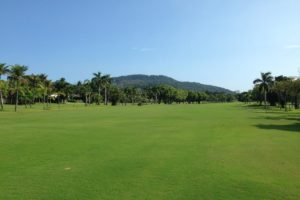 First hole of the golf course of the Guaruja Island golf club.