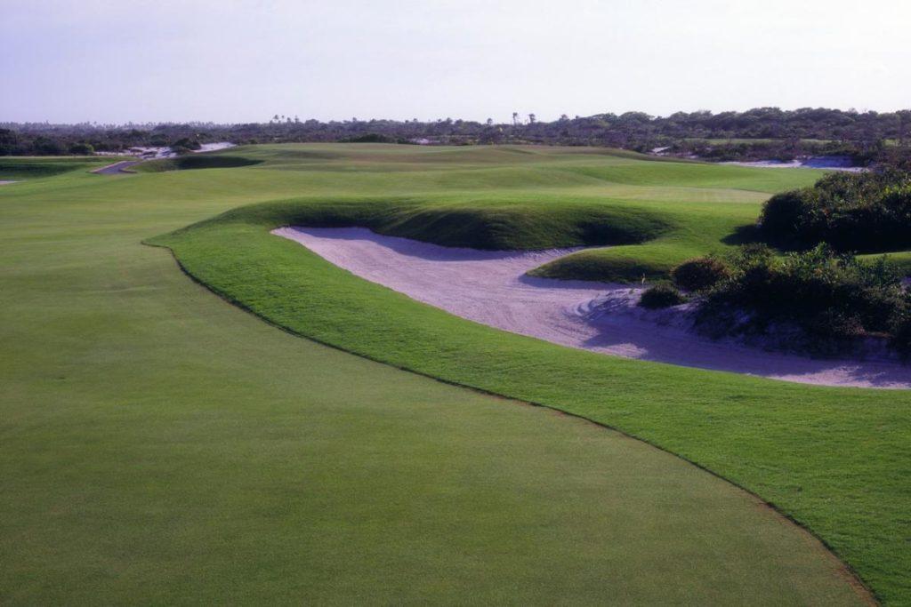 Dogleg of the golf course of the Iberostar Praia do Forte golf club.