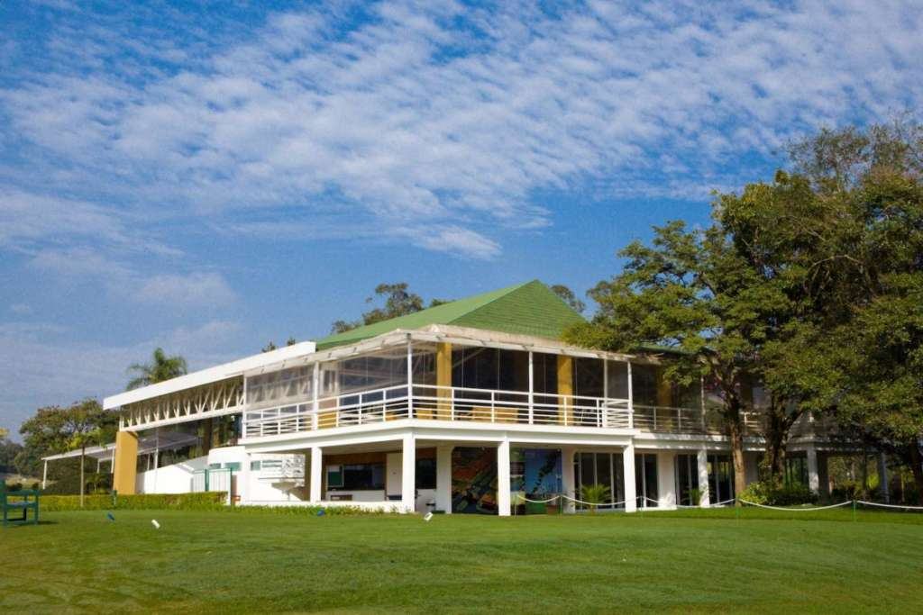Clunhouse of the golf course of the Terras de Jao Jose golf club in Itu.