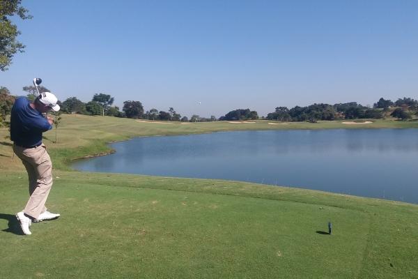 Lake of the golf course of the Fazenda da Grama Country golf club in Itupeva.