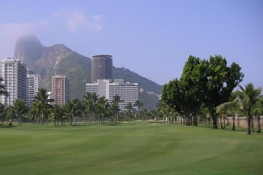 Fast game of the course of the Gavea golf club in Rio de Janeiro.